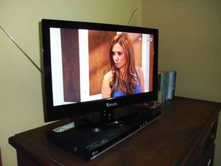 Merida studio photo - New HD TV and DVD player