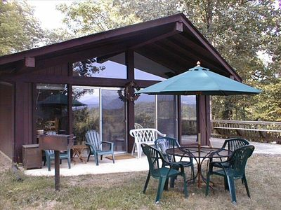 Cozy romantic cabin with fantastic views of vrbo for Shenandoah valley romantic cabins