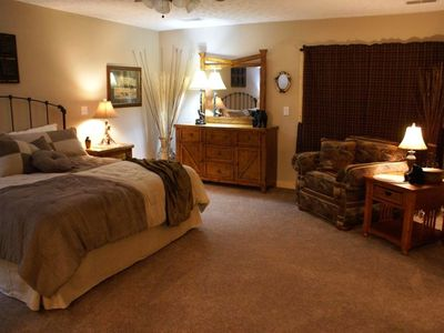 "Wears Valley cabin rental - Master Suite ""Antlers"" includes large relaxing private spa bath with Jacuzzi tub"