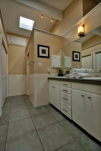 Main Floor Master Suite Bath.