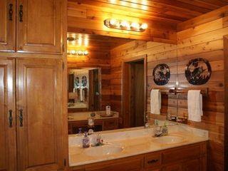 Lake Buchanan house photo - Master Bath Suite