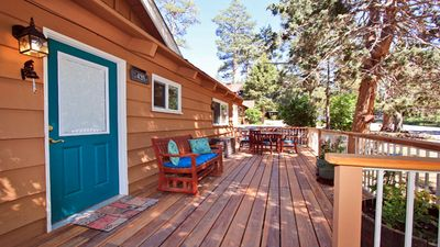 Catalina Retreat-Relax and take in the forest and pond view across the street.