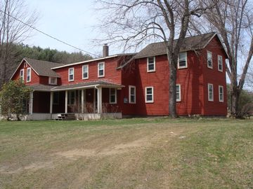 Otis house rental - Charming and Welcoming Farm House