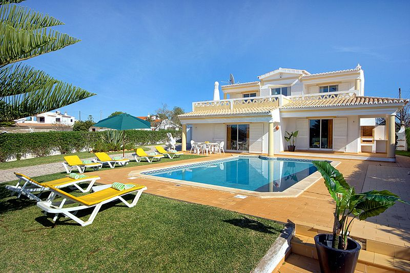 Cheap accommodation, with pool , Guia, Portugal