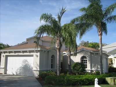 Sterling Oaks Villa-3BR, 3BA, 2Car Garage.You will love this convenient location