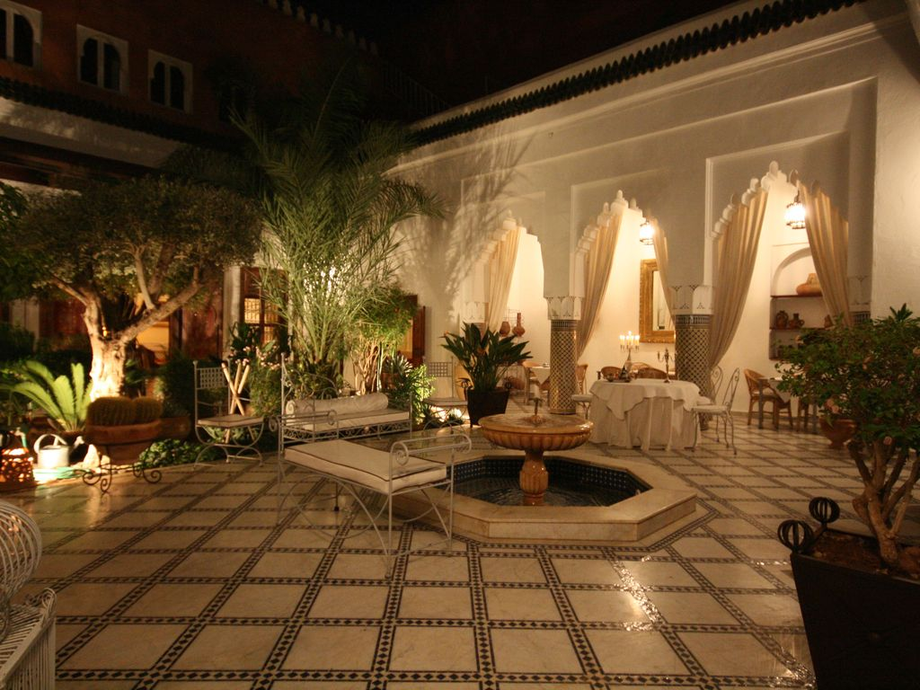 Riad exclusive authentic in medina. staff transfer ...   941228