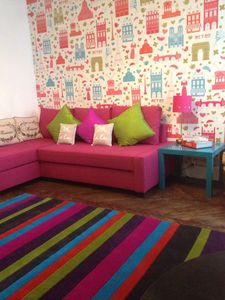 2nd Arrondissement Bourse studio rental - Bright candy colours in the main room
