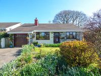 5 WELL MEADOW, pet friendly, with a garden in Egloskerry, Ref 21159