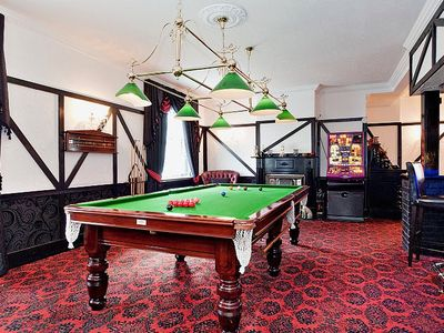 Ongar house rental - Snooker Table