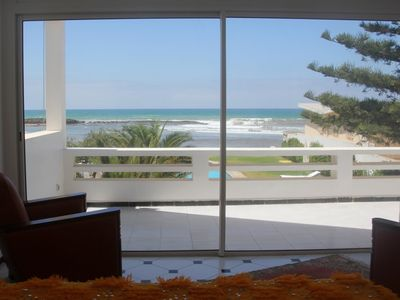 Upstairs bedroom with sea view