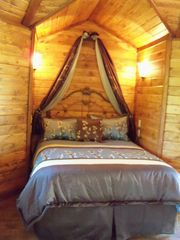 Bozeman cottage photo - cozy, romantic, queen bed
