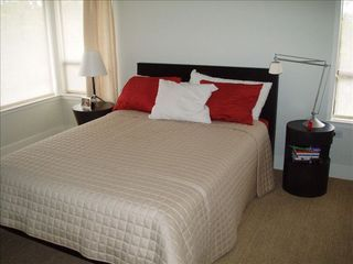 Healdsburg house photo - Bedroom 1: Master bedroom with queen bed