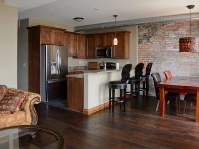 Lewis Suite- upscale loft with deck and river view