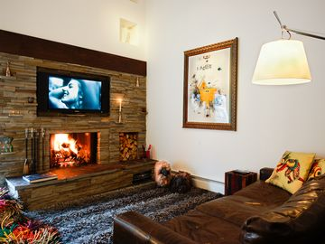 Vail 21 apartment rental - Sitting area with HD-TV, compl. movie channels and Netflix