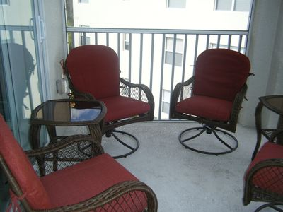 Spectacular Furnished 3rd Floor Condo With Views Of Lake And Golf Course