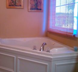 Carters chateau / country house photo - Two person jacuzzi in master bath.