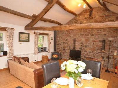 THE BARN (CHURCH COURT COTTAGES) - YOUR COSY COUNTRYSIDE RETREAT !