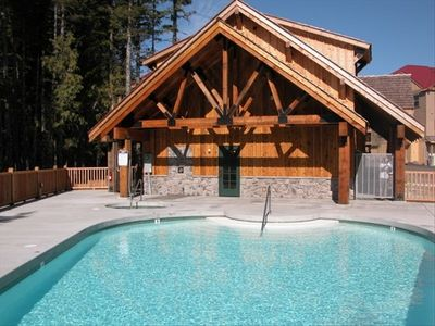 Creekside Lodge facilities with year-round heated pool, hot tub and leisure pool