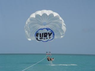 Key West condo photo - The gorgeous blue water is a playground for parasailing and snorkeling.