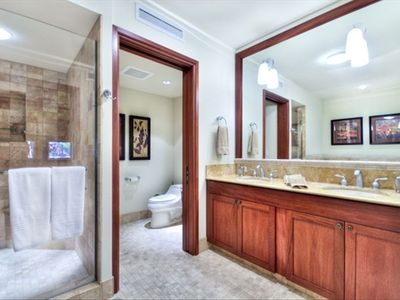 Waikoloa Beach Resort condo rental - Master Bedroom Bathroom - Fit for a King!