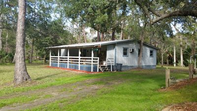 Steinhatchee Fish Lodge- Beautiful, private five star retreat in great location!