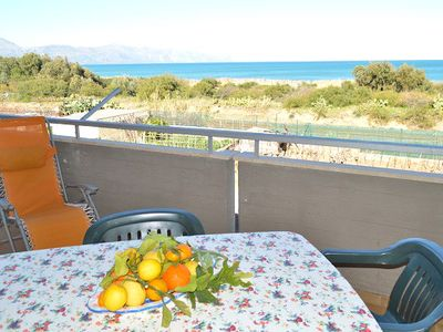 Apartment 8 people to 100 meters from the sea
