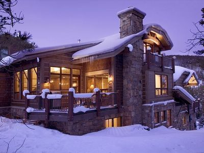 Luxury Ski-In Ski-Out home  3350 sq feet. Just 26 yds from  Lumberjack  ski lift