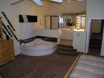 Master Bedroom of 3 Bedroom Unit with Ensuite Jacuzzi Tub & Cable TV...