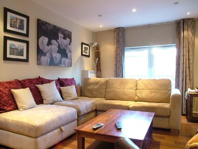 Edinburgh apartment cosy, clean, fully equipped executive level apartment
