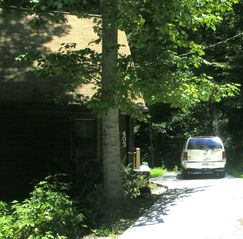 Bryson City chalet photo - Nice concrete drive and good parking right at the cabin