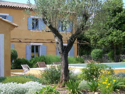 Beautiful Farmhouse built on 8 000m2 in a dominant position in the Massif des Maures.