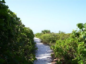 private deeded beach access path