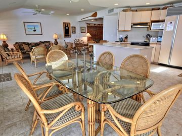 Large Oceanfront Dining Area