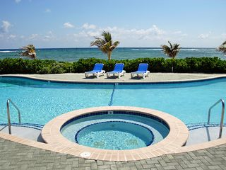 Grand Cayman condo photo - Beachfront Pool and Jacuzzi