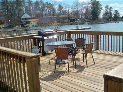 Chapin house rental - Gas grill and eating area on dock