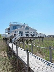 Stunning bayfront location bordering protected land
