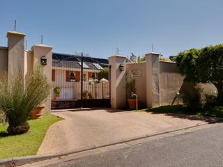 Constantia villa photo - Welcome to LeBonheur Villa & Cottages!