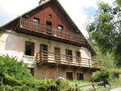 Rustic house rental in Vars 10 minutes of free shuttle runs
