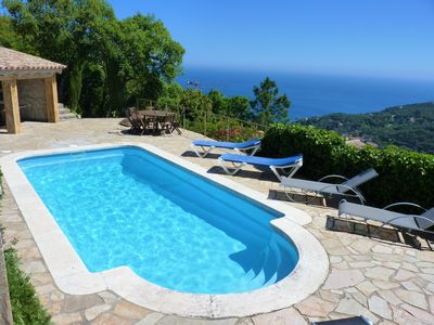 Amazing seaviews in a nice house with private pool