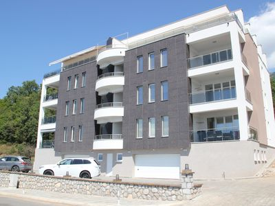 At Lake Ohrid located luxury and modern apartments for rent