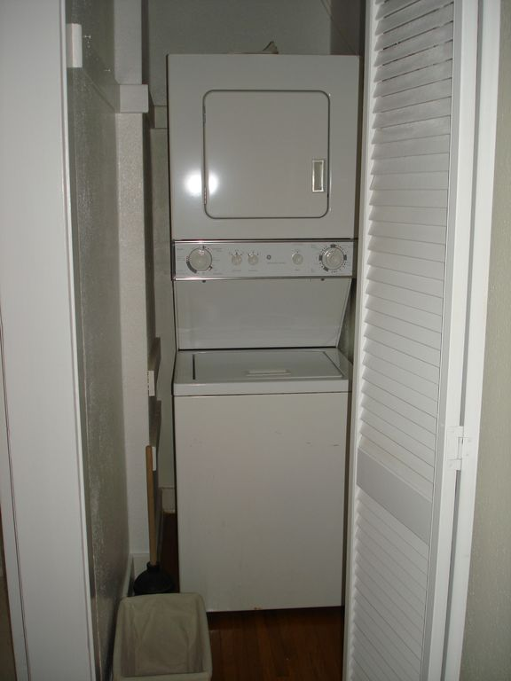 Washer / Dryer / detergent furnished