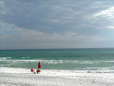 The white sands and emerald waters of Santa Rosa Beach