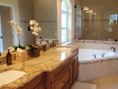 Cape Coral villa rental - bathroom