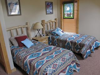 Crested Butte cottage photo - Bedroom 2 - Two Twin Beds
