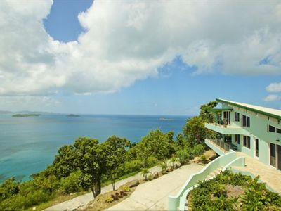 Beautiful hill side estate with famous Mountain Trunk Bay below!