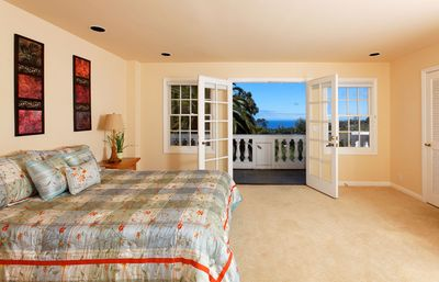 La Jolla villa rental - Second Master suite with ocean views, patio and private bath