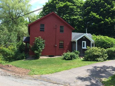A Quaint Cottage Within Walking Distance Of All Wolfville Amenities.