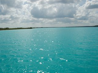 Bacalar house photo - The warm beautiful lake of the 7 colors.