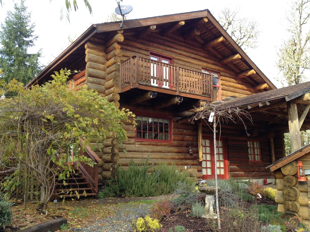 Log cabin in the woods oregon abritel for Cabin in the woods oregon
