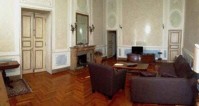 Cavallotti16. Large apartment of the '600 in the historical center of Parma